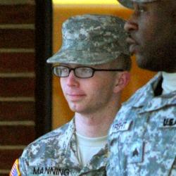 Manning leaving courtroom