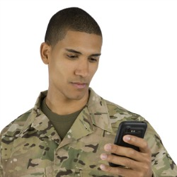 Pentagon OKs Androids, BlackBerrys for soldiers