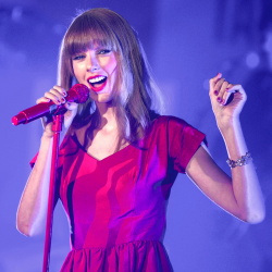 Image of Taylor Swift courtesy of Featureflash / Shutterstock.com