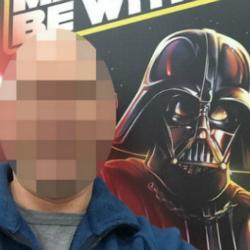 Mum Facebook-shames guy taking selfie with Darth Vader