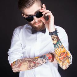 Apple confirms: dark tattoos befuddle Watch