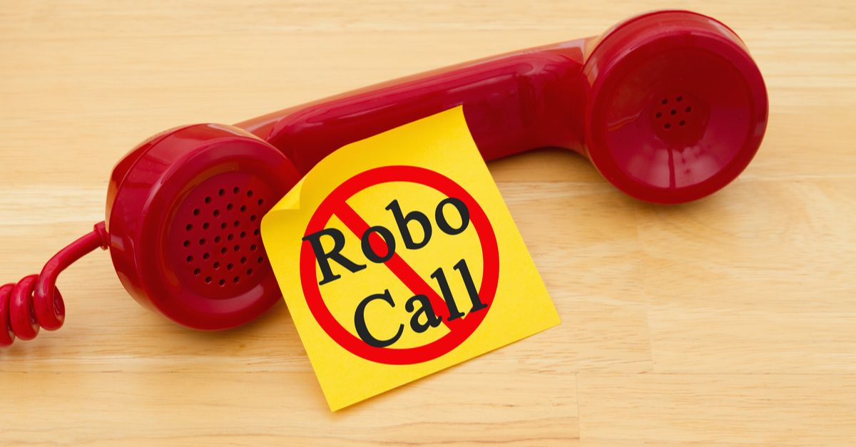 Phone carriers must authenticate calls to fight robocalls, says FCC